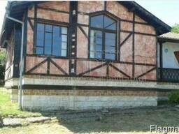 Дом в 20 км от Варны с видом на город и озеро