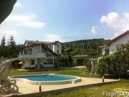 Дом с бассейном в районе Траката, в 6 км от центр Варны. - фото 5