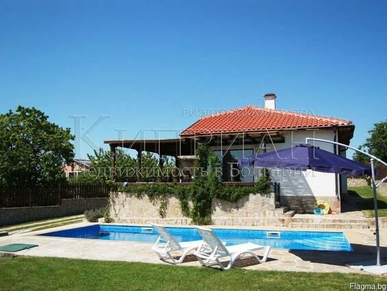 Дом в 16 км от Варна, в 4 км от курорт Камчия