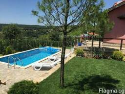 Двухэтажный дом с бассейном в 16 км от Варны - фото 2
