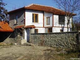 Двухэтажный каменный дом район Варна