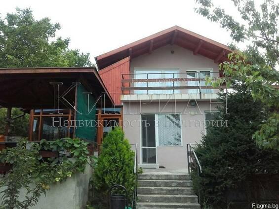 Дом в 14 км от Варна с вид на озеро