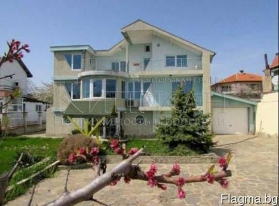 Дом в район Виница, Варна