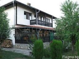 Двухэтажный дом в живописной деревне в 30 км от Варны