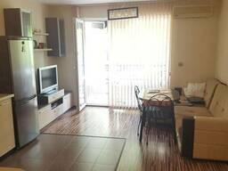 Двухкомнатная квартира в городе Бургас - фото 2