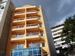Двухкомнатная квартира рядом в центре Варны.