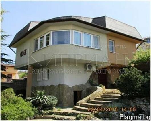 Трехэтажный дом с потрясающим видом на море, район Варна